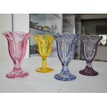 Цветок формы прозрачного стекла мороженого Кубок