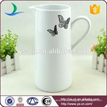 Jarra de baño de cerámica blanca con calcomanía mariposa negra