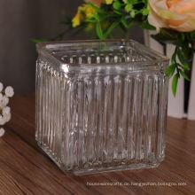 Quadratischer gemusterter Glaskerzenbehälter