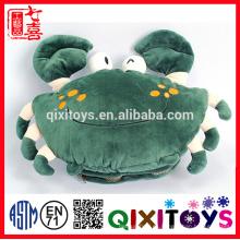 El mejor regalo para el cangrejo frío del invierno formó el calentador lindo de la mano del juguete relleno y de la felpa