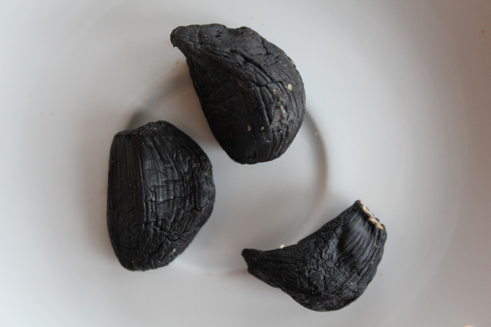 Peeled Black Garlic 2