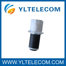Dispositifs d'étanchéité étanches à fibre optique pour câbles conducteurs