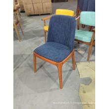 Chaise de restaurant en tissu bleu de haute qualité avec pieds en bois