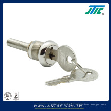 Vending machine lock with flat key for vending machine