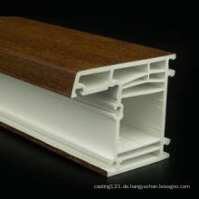Baumaterial aus PVC-Profilen