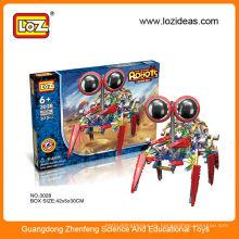 Großes pädagogisches Spielzeug für Jungen