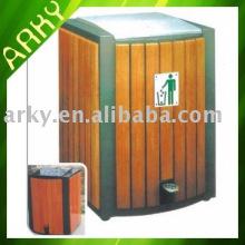 Prise de déchets en bois extérieur de bonne qualité