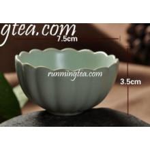 Taza de té tradicional china de la porcelana de la forma de Lotus
