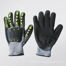 Hohe Wirkung Anti-Cut Nitril Palm TPR Schutzhandschuh