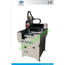 Máquina de corte recentemente promovida do metal do CNC com corpo de máquina inteiro do ferro fundido