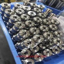 Torneado de precisión de casquillos roscados y cilindros de empuje