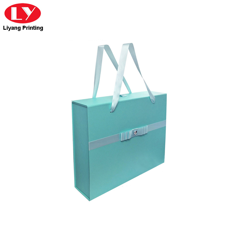 Foldable Box With Handles