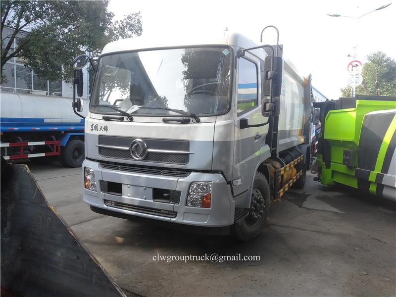 Compressing Truck 2