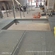 Hot DIP Galvanized G325/30/100 Serrated Steel Grating for Walkway