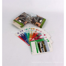 Bunte Papierspielkarten, die englische Wortkarten drucken