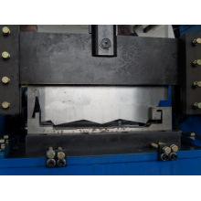 Machine à capuchon de verrouillage automatique de type plateau en étoile