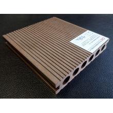 Revestimento UV plástico impermeável e impermeável de madeira do Decking WPC