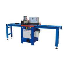 Máquina automática para corte de tubos de metal com lâmina de serra