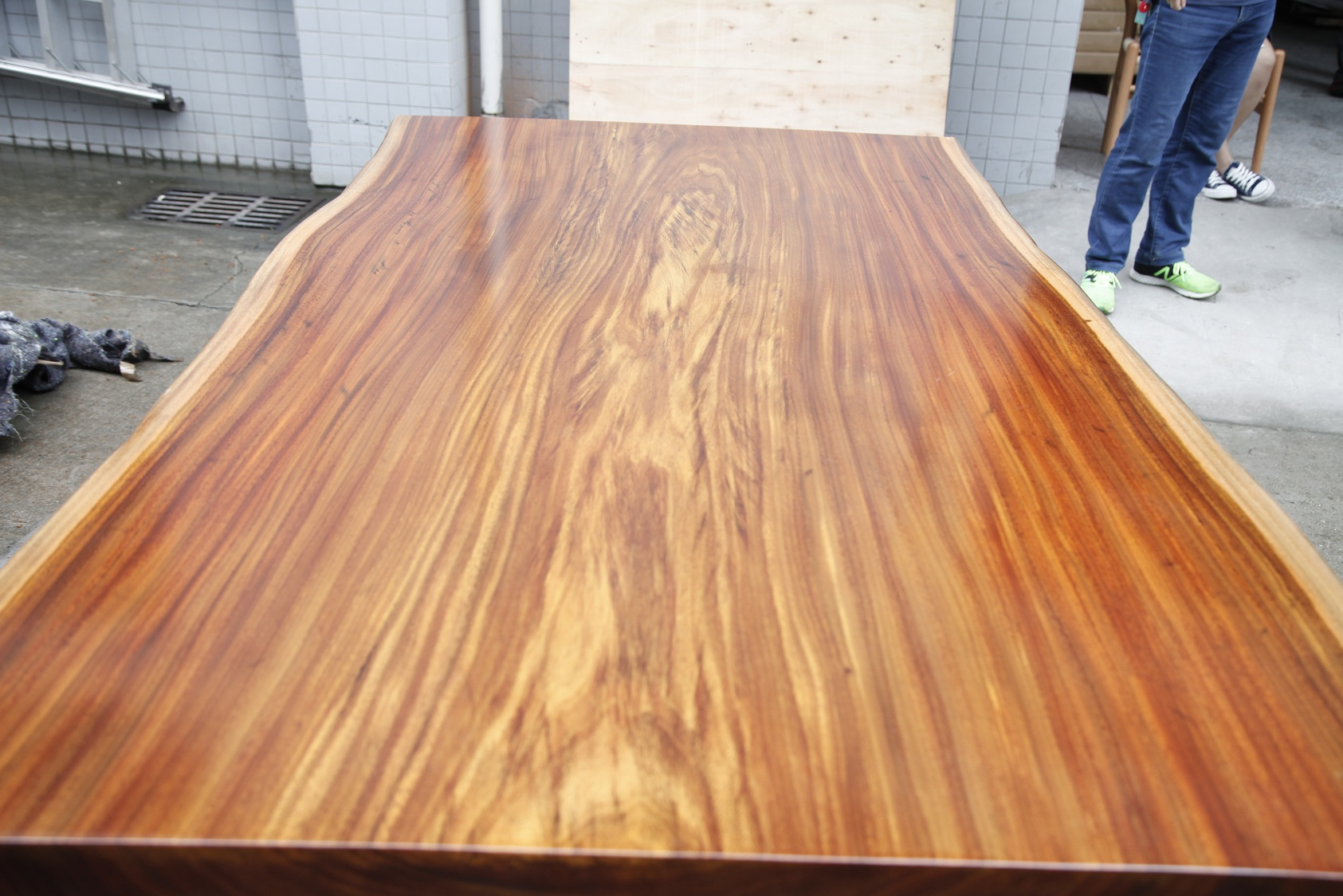 Popular Spyder Wood Table
