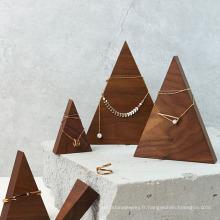 Présentoir à bijoux en bois massif triangle pyramide
