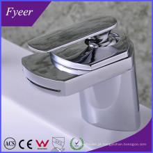 Design Moderno de alta qualidade Waterfall Brass Basin Sink Faucet (QH0701)
