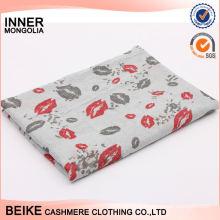 Nouvelle arrivée OEM conception doux foulard en coton sentiment dans beaucoup de style