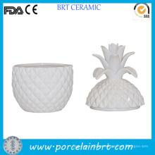 Blanco jarra de piña en forma de cerámica única para la vela