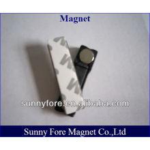 badge machine magnet