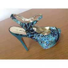 2016 New Fashion High Heel Women Sandal (HCY10-102)