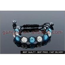 pulseiras shamballa de azul e branco