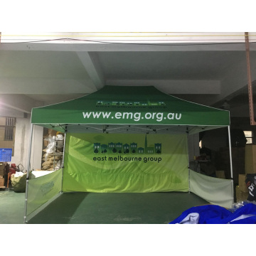 10x15 Pop Up Canopy Backwall med anpassad grafik