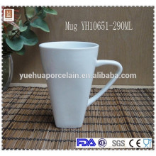 China fabricante de utensílios de mesa V forma copo personalizado cerâmica caneca