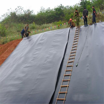 GRI-GM13 Geomembrana impermeable lisa negra para dique fluvial