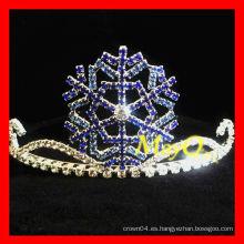 Corona linda del desfile del copo de nieve para los cabritos