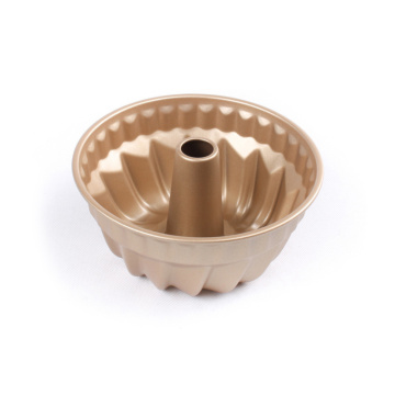 7 Zoll Golden Nordic Ware Bundt Pan
