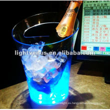 Cubo del champán del plástico LED que destella 2012 del nuevo diseño