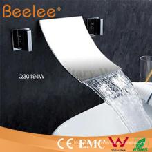 Grifo cromado de la ducha del baño de la cascada de la bañera del montaje de pared del latón 3 PCS