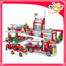 Kinder Plastik Feuerstation Baustein 915pcs Blöcke gesetzt