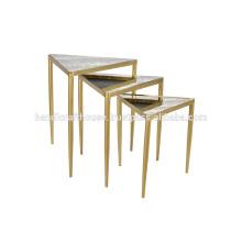Ensemble de 3 tables basses en métal et en verre industriel