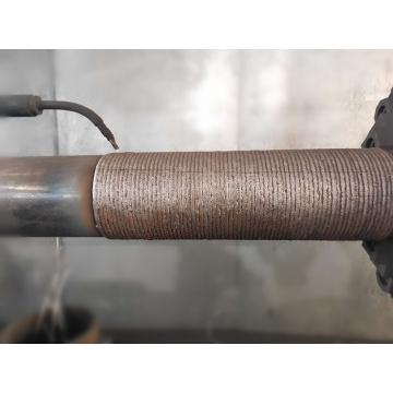 Износостойкая труба с наложением на внешнюю поверхность из карбида хрома