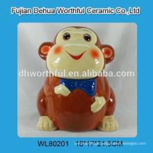 Elegante tanque de armazenamento de cerâmica com design de macaco