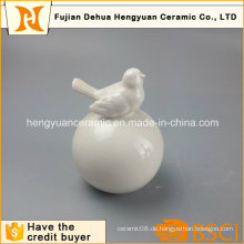 Garten Dekoration Weiß Keramik Vogel mit Big Ball