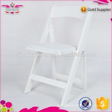 Chaise pliante en plastique pour mariage en gros