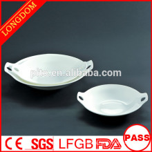 2015 new design hotel restaurant white porcelain round serving plate with hand