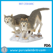 Figura animal de resina de lobo salvaje
