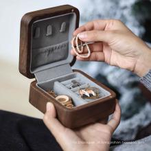 luxuosa caixa de joias de madeira maciça com anel