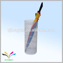 Zhejiang fábrica de onda de choque de malla de metal blanco titular paraguas para la venta a los EE.UU.