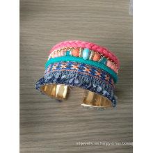 Perlas de Bohemia multicolores y pulseras de tela