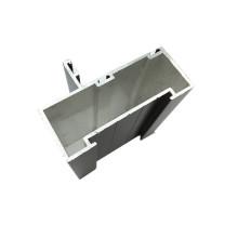 Aluminium-Extrusionsprofile mit verschiedenen Oberflächenbehandlungen