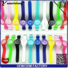 Yxl-348 2016 Nouvelle mode Genevn Ice Silicone Watch Quartz analogique Montre bracelet Vogue Candy Color Flag Dial